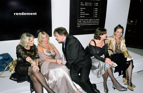 Короли вечеринок: 10 фотографов, снимающих светские и молодежные тусовки. Изображение № 84.