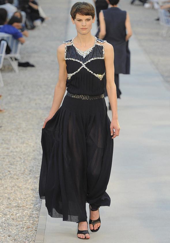 Изображение 29. Показана новая круизная коллекция Chanel.. Изображение № 29.