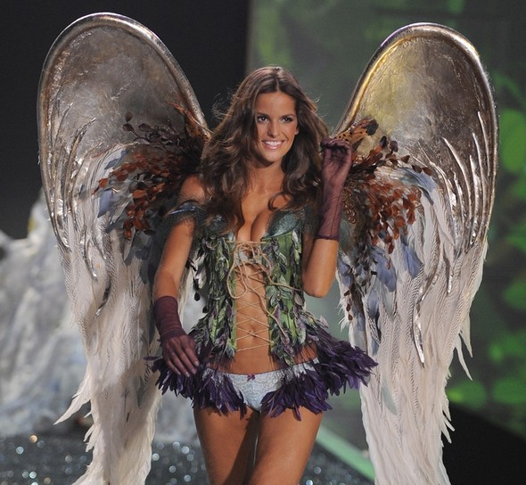 Victoria's Secret Fashion Show 2009–2010. Изображение № 24.