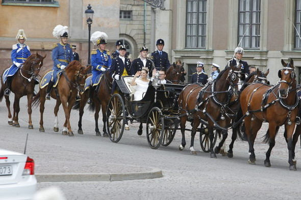 Свадьба шведской кронпринцессы Виктории. Изображение № 2.