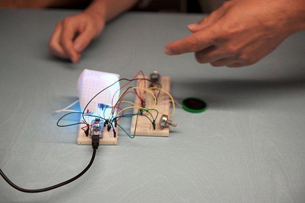 Как сделать передатчик сигнала SOS с помощью платформы Arduino. Изображение № 27.