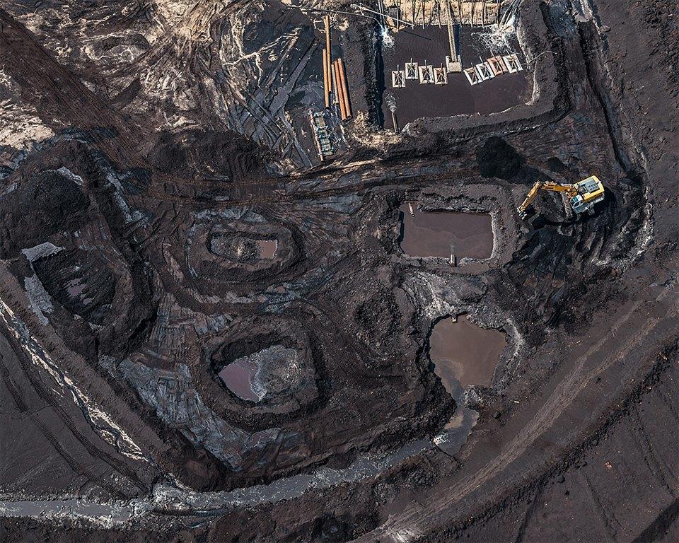 Захватывающие фотографии огромной угольной шахты. Изображение № 18.
