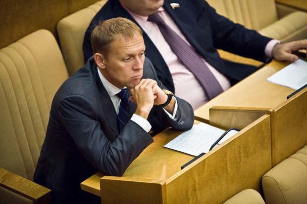 Автор законопроекта Андрей Луговой. Изображение № 1.