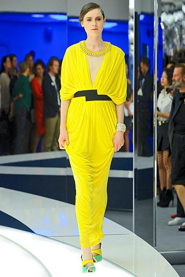 Модный дайджест: Джеймс Франко для Gucci, сари Hermes, сингл Burberry. Изображение № 9.