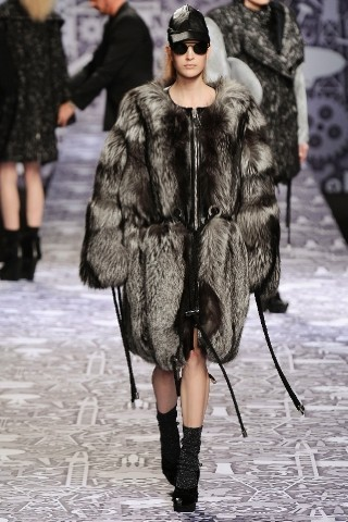 Back to black : Gareth Pugh и Victor&Rolf aw 2010-2011. Изображение № 70.