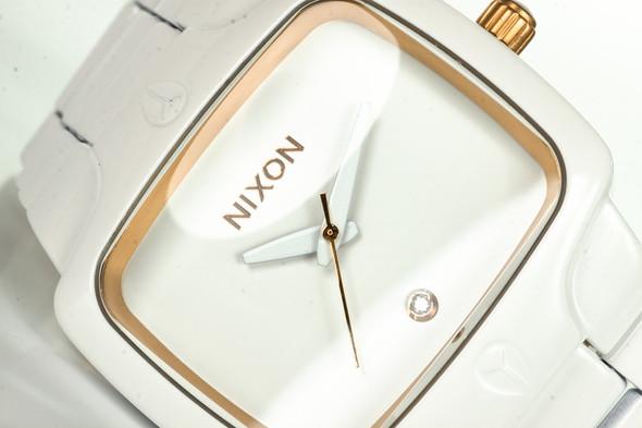 Финальная распродажа часовой марки NIXON.. Изображение № 9.