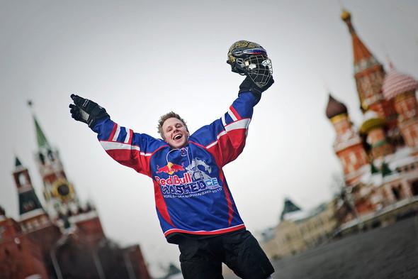 Изображение 1. 64 российских спортсмена прошли боевое крещение льдом!.. Изображение № 1.