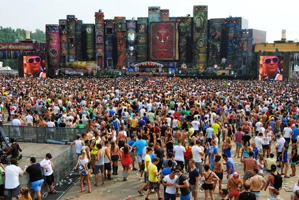 Магическое безумие крупнейшего фестиваля EDM музыки Tomorrowland. Изображение № 2.