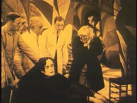 «Кабинет доктора Калигари»Роберт Вине. триллер, 1919. Изображение № 30.
