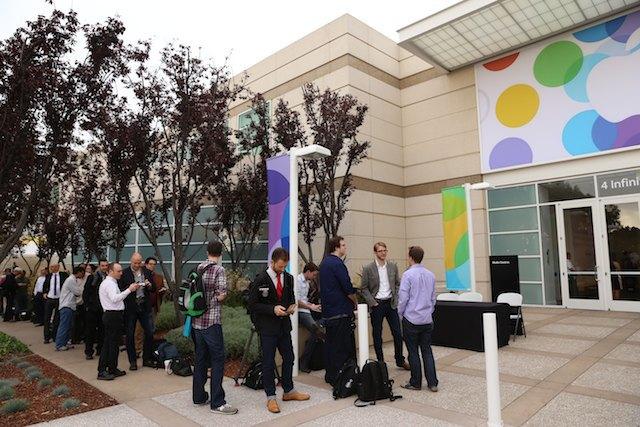 Трансляция: Apple представляет новые iPhone и другие продукты. Изображение № 45.