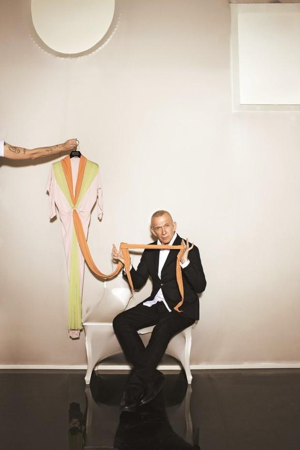 Съёмка: Жан-Поль Готье и Виктория Абриль для S Moda. Изображение № 2.