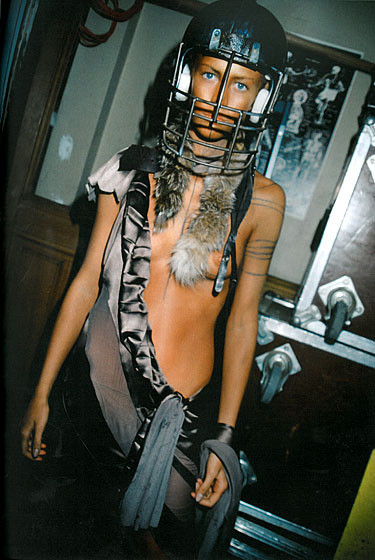 Роксанна Лоуит: за кулисами Dior. Изображение № 10.