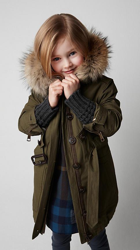 Все лучшее детям: лукбуки D&G, Gucci, John Galliano, Burberry. Изображение № 19.
