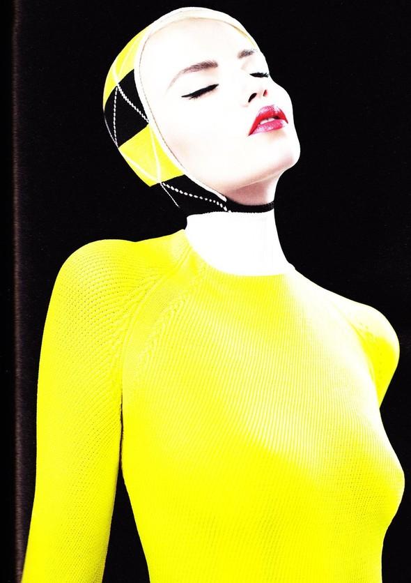 Съёмка: Наташа Поли в Jil Sander для i-D. Изображение № 3.