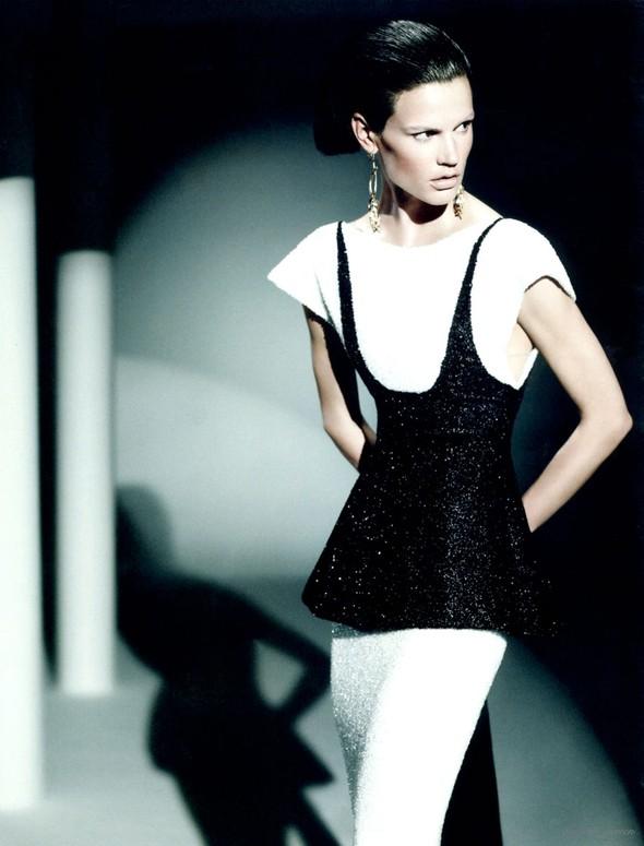 Съемка: Саския де Брау для британского Vogue. Изображение № 4.