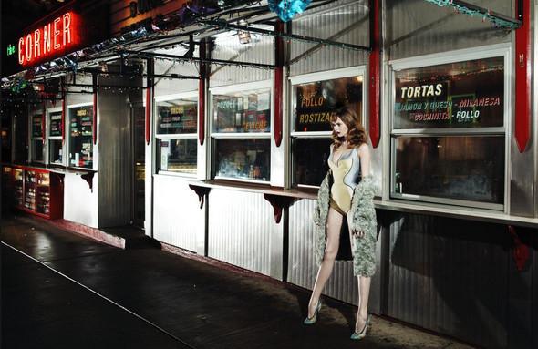 Съёмка: Карен, Наташа, Эмбер и другие модели в Prada для Love. Изображение № 12.