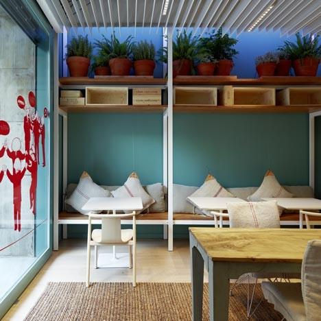 Под стойку: 15 лучших интерьеров баров в 2011 году. Изображение № 61.