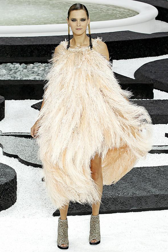 Карл Лагерфельд показал одну из самых красивых коллекций, когда-либо созданных для Chanel. Изображение № 57.