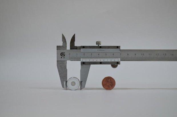 Создан самый маленький фитнес-трекер в мире. Изображение № 1.