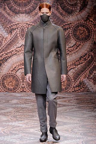 Что носить осенью: мужские показы в Милане. Изображение № 194.