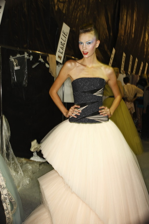 Viktor&Rolf ss2010! Brilliant backstage!. Изображение № 1.