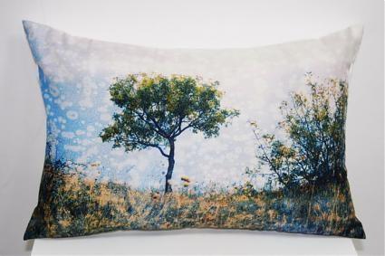 Новая коллекция дизайнерских подушек с фотографиями. Изображение № 5.