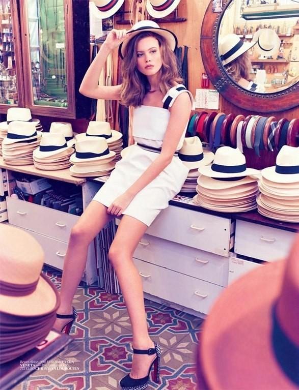 Behati Prinsloo для Vogue Turkey. Изображение №7.