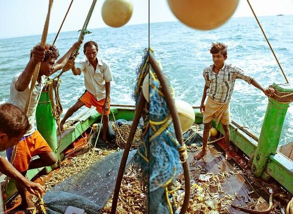 Shrimp boat MFR 646 DF GOA - Non stop. Изображение № 34.