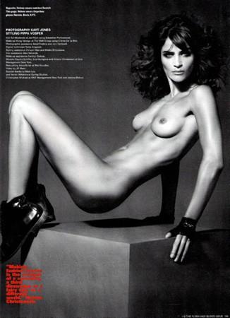 Ле форм: 10 моделей с большой грудью. Изображение № 1.