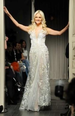 Виктория Лопырева выйдет замуж в платье от Юлии Далакян?!. Изображение № 1.