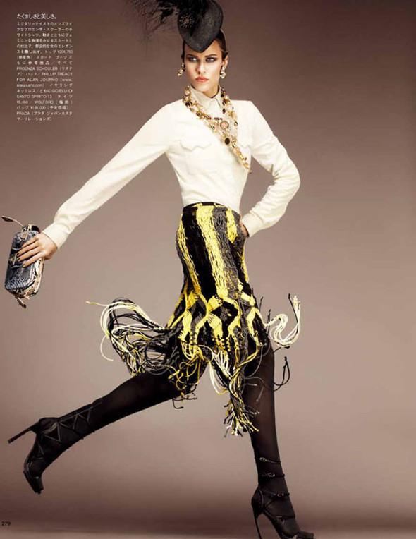 Съёмка: Эмелин Валад для Vogue. Изображение № 4.