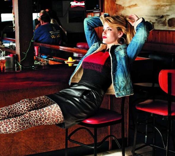 Съемка: Ashley Smith 4 Glamour France November 2011. Изображение № 7.