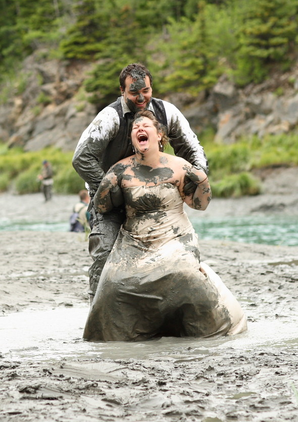 Trash the Dress: смерть свадебному платью!. Изображение № 25.