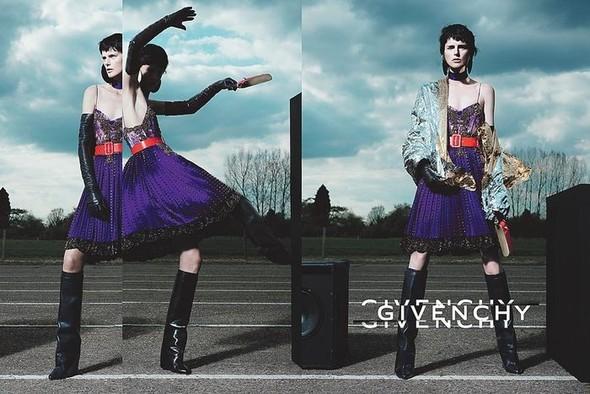 Превью кампаний: Givenchy, Jean Paul Gaultier, Versace и другие. Изображение № 1.