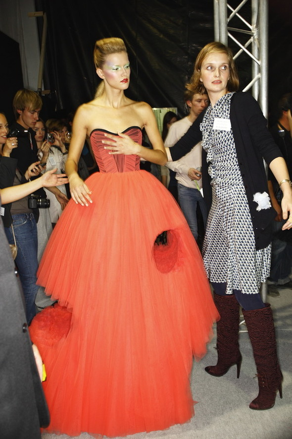 Viktor&Rolf ss2010! Brilliant backstage!. Изображение № 23.