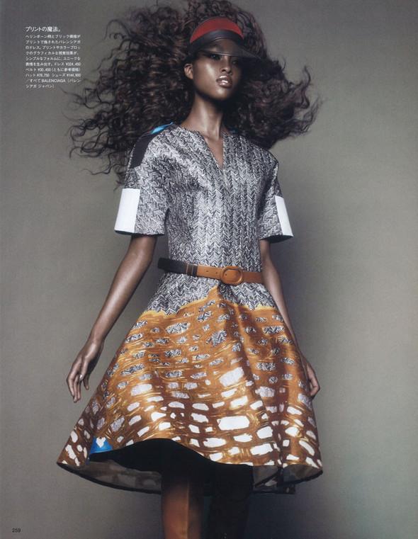 Съёмка: Няша Матонодзе для японского Vogue. Изображение № 3.
