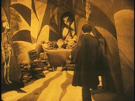 «Кабинет доктора Калигари»Роберт Вине. триллер, 1919. Изображение № 29.