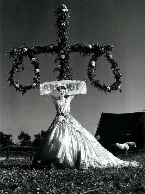 Helmut Newton-гурман женской плоти. Изображение № 2.