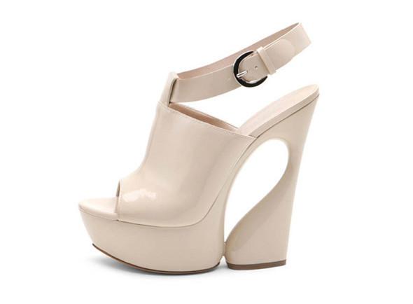 Лукбуки: обувь. Изображение № 1.