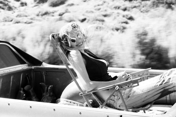 Съёмка: Эшли Смит для Oyster. Изображение № 9.