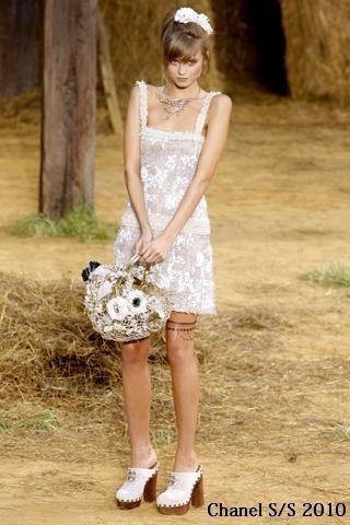Платья 2010: все актуальные тренды сезона. Изображение № 5.