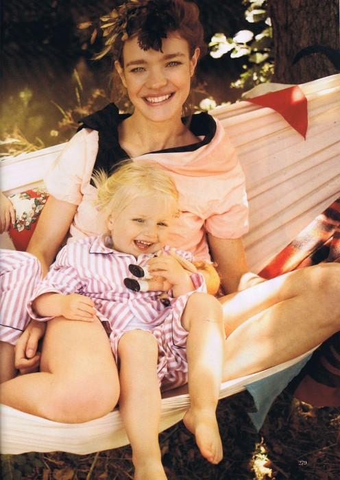 Счастливая мамочка-Наталья Водянова. Изображение № 11.
