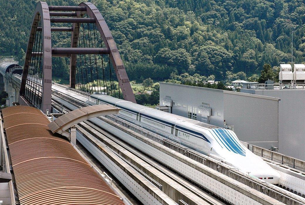 Мы успели заснять самый быстрый поезд в мире. Изображение № 2.