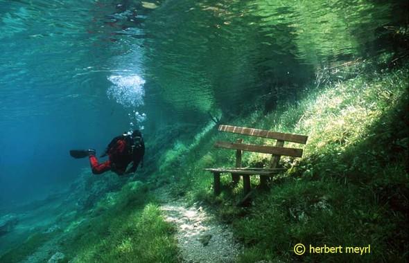 Фотограф Herbert Meyrl. Скамейки под водой. Изображение № 2.