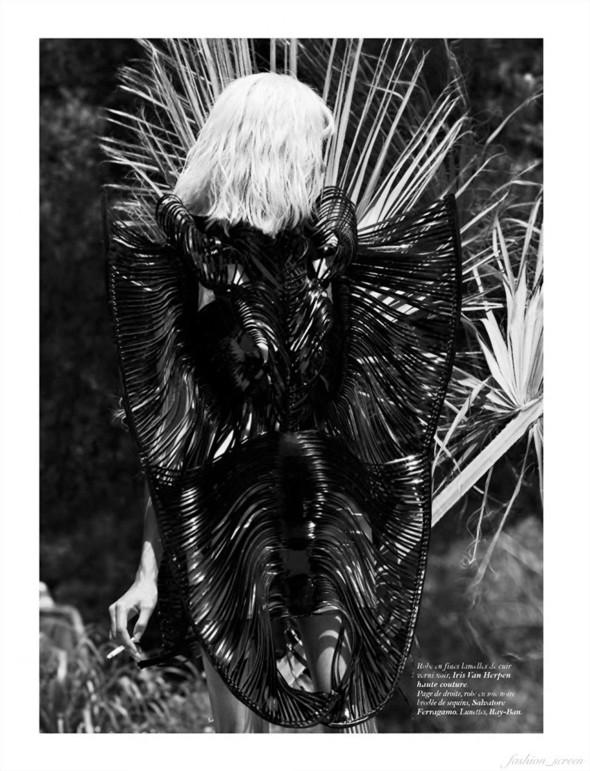 Съёмка: Аня Рубик и Саша Пивоварова для Vogue. Изображение № 7.