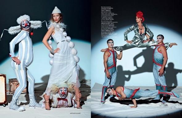 Circus, Circus! в январьском номере Vogue Russia. Изображение № 4.