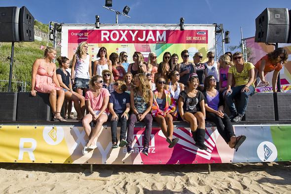 Roxy Jam: почему женский серфинг круче. Изображение № 2.