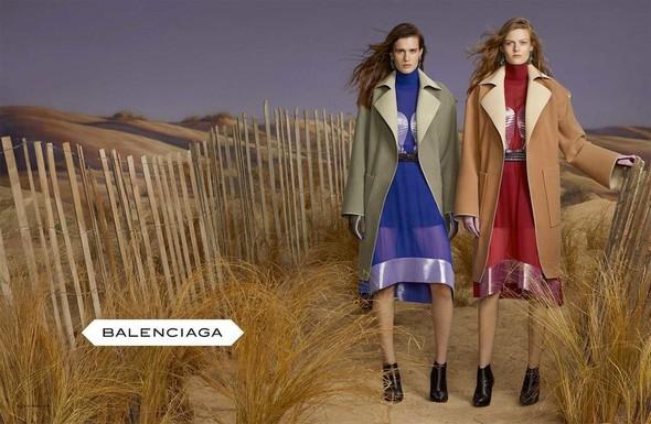 Кампании: Balenciaga, Celine, Dolce & Gabbana и другие. Изображение № 6.