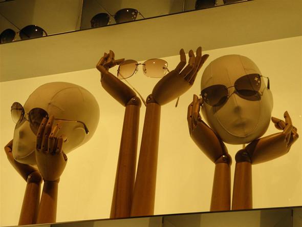 Новые магазины: Louis Vuitton в Риме, Chanel в Москве и Celine в Нью-Йорке. Изображение № 9.
