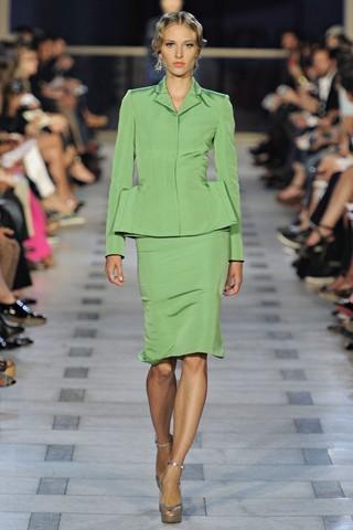 Сезон весна-лето 2012 :10-ка лучших женских костюмов с юбкой. Изображение № 3.
